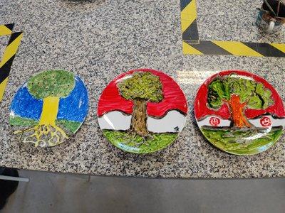 - wizerunki Herbu Wałbrzycha na talerzach