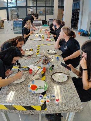 warsztaty zdobnicze ( malowanie na talerzach)